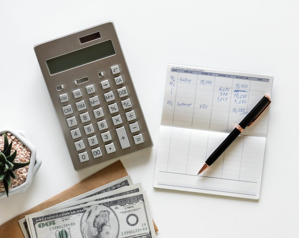 Calculating moving costs does not have to come down to a calculator and piece of paper.