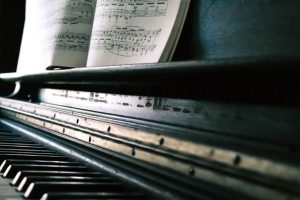 Pack a piano for relocation together with you favourite notes