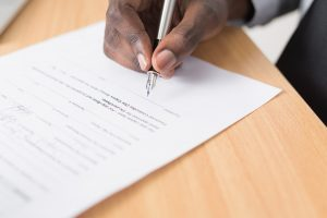 signing a contract when moving to Annapolis, MD