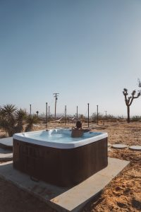 Pack a hot tub for relocation using these tips!