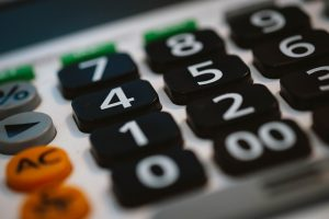 calculate your expenses and think of solutions for moving on a budget