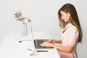 Browsing online is the best way to find a job after moving to Annapolis
