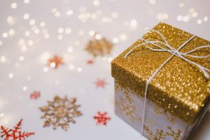 Gifts that will help you enjoy Christmas while moving house.