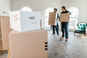 professional movers to move long-distance on a budget